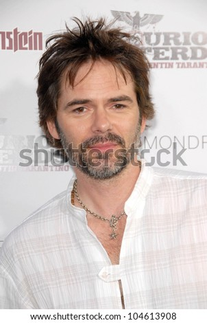 Billy Burke  at the Los Angeles Premiere of 'Inglourious Basterds'. Grauman's Chinese Theatre, Hollywood, CA. 08-10-09