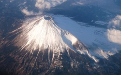 Bird's eye view of the mouth of the volcano