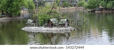 bird\'s water house