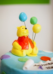 birthday cake with Winnie the Pooh