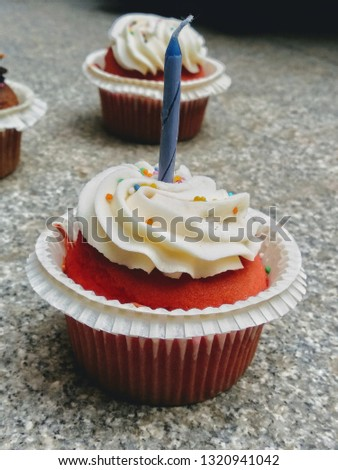 Birthday cupcakes red velvet cupcakes background picture