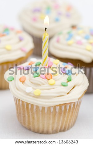 Birthday Cupcakes - Yellow Candle