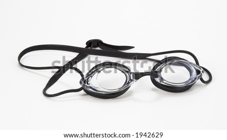 Black and clear pair of swimming goggles