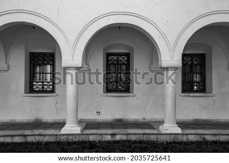 Black and white arhitecture and windows Imagine de stoc ©