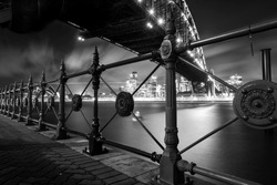 Black and white picture of Sydney Harbour Bridge at night