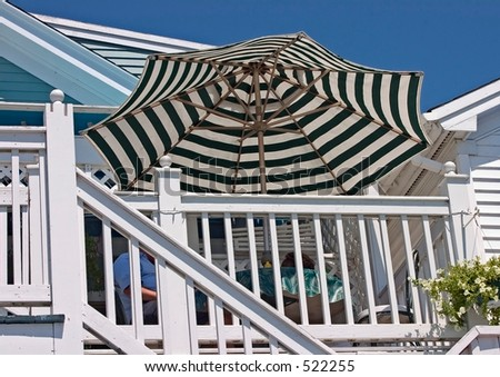 Daddyo's Patios 7.5' Sunbrella Blue  White Patio Umbrella