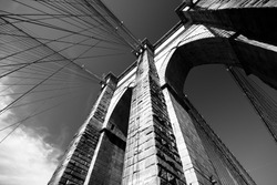 Black and white view of Brooklyn Bridge