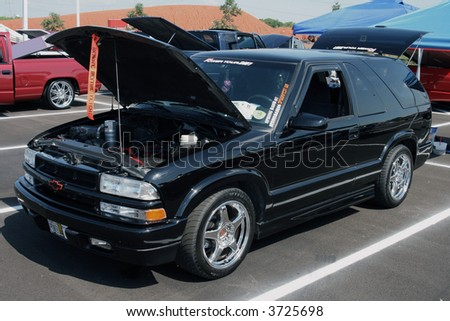 Black Chevrolet Blazer