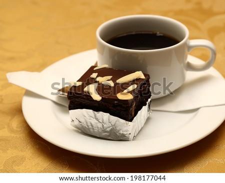 Black coffee with black cake