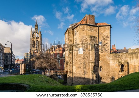 Black Gate and St Nicholas Cathedral / The Black Gate gatehouse of The Castle with the Cathedral Church of St Nicholas in the heart of Newcastle upon Tyne