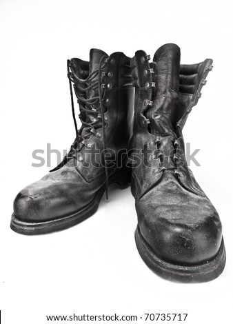 Black leather army boots - Old, destroyed and dusty