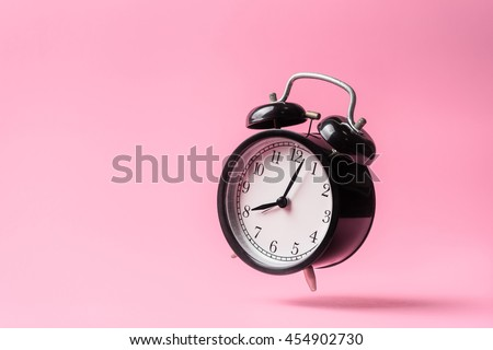 Old Vintage Alarm Clock Free Photo - Gratisography