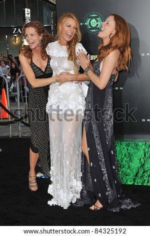 "Blake Lively & sisters at the world premiere of her new movie ""Green Lantern"" at Grauman's Chinese Theatre, Hollywood. June 15, 2011  Los Angeles, CA Picture: Paul Smith / Featureflash"