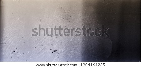 Blank grained toned film strip texture background with heavy grain and dust Foto stock ©