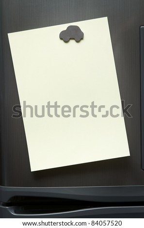 Blank note at the refrigerator with copy space