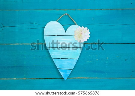 blank pallet heart sign with...