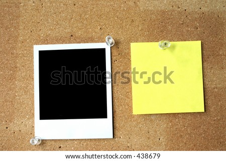 blank post-it and photo