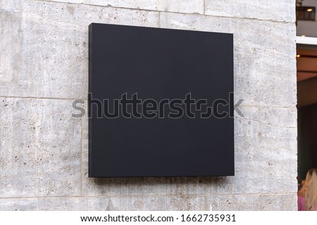 Blank store signage sign design mockup isolated, Clear shop template. Street hanging mounted on the wall. Signboard for logo presentation. Metal cafe restaurant bar plastic badge black white.  Foto stock ©