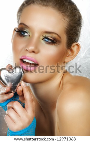 blue eyes makeup for long blond hair. brown hair blue eyes makeup