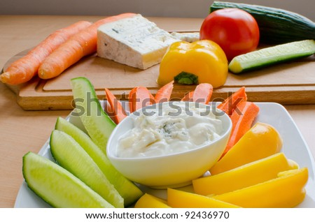 Blue cheese dip with raw vegetables