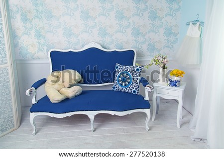 blue classical style sofa couch ...