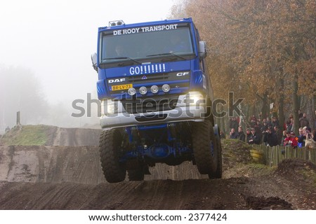blue daf truck jumping