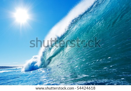 Blue Ocean Wave, Sunny Sky Epic Surfing