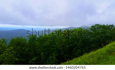 Blue Ridge Mountains Appalachian Mountains Green Nature Forests with Blue Sky Boone, NC North Carolina Stock fotó ©