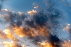 Blue skies and sparse clouds. Dramatic sky. Rain-forming clouds in Latin America. Feeling of freedom. The sky is blue due to the scattering phenomenon, which highlights the blue light of the sea