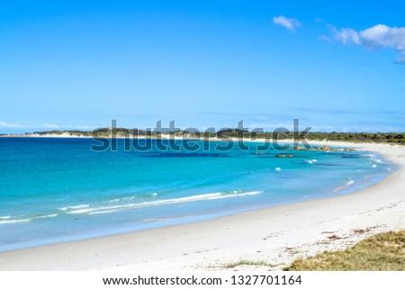 Blue skies over the Bay of Fires in Tasmania's Northeast Foto stock ©