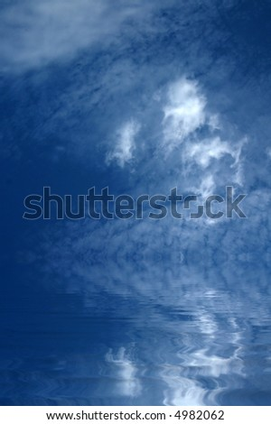 blue sky with clouds and water reflection Foto stock ©
