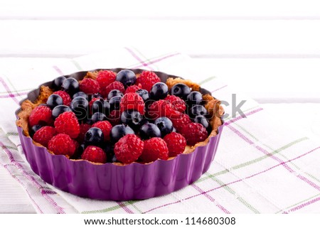 blueberry and raspberry tart