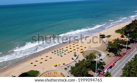 Boa Viagem Beach, Recife, Pernambuco, Brazil. Beach life scene aerial view at Northeast Brazil. Recife, Pernambuco, Brazil. Boa Viagem Beach, Recife, Pernambuco, Brazil. Pernambuco, Northeast. Foto stock ©
