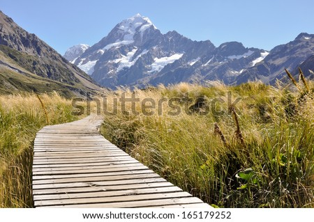 boardwalk towards mount cook ...
