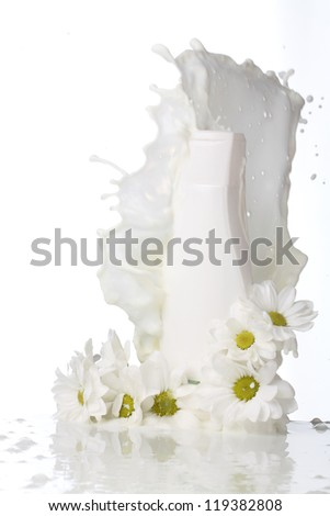 body cream with daisies and splashes of milk