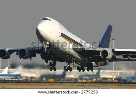 Boeing 747 taking off
