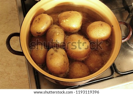 boiled potatoes picture