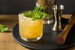 Boozy Refreshing Whiskey Smash with Lemon and Mint