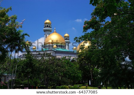 Borneo, Sultanate of Brunei, Jame'asr Hassanil Bolkiah Mosque in the capital Bandar Seri Begawan