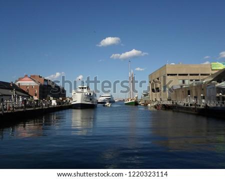 Boston, Massachusetts / USA - 11/3/2018: Long Wharf South and New England Aquarium, Boston Harbor #1220323114