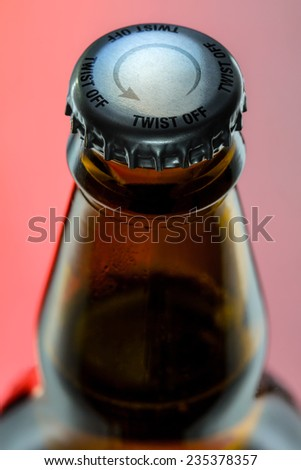 Bottle neck with easy twist off cap