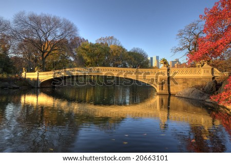 Bow bridge in Autumn in the earlt morning on a sunny day
