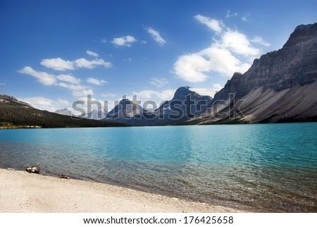 Bow Lake , Banff National Park, Alberta, Canada
