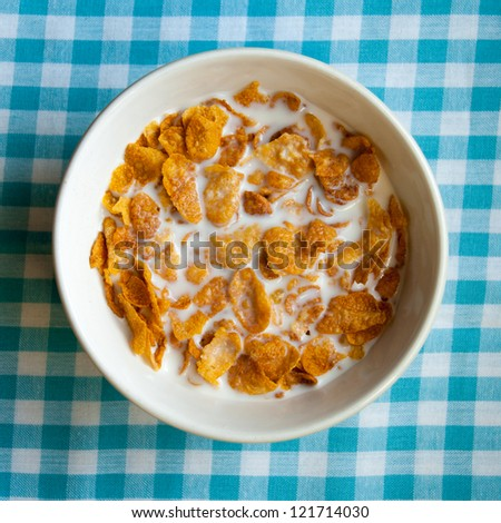 Bowl of cornflakes from above