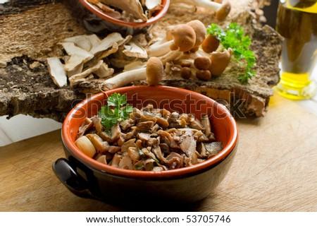 bowl with sauted mushroom