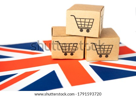 Box with shopping cart logo and United Kingdom flag, Import Export Shopping online or eCommerce finance delivery service store product shipping, trade, supplier concept. Foto stock ©