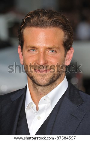 """Bradley Cooper at the world premiere of his new movie """"All About Steve"""" at Grauman's Chinese Theatre, Hollywood. August 26, 2009  Los Angeles, CA Picture: Paul Smith / Featureflash"""