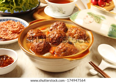 Braised pork balls in soy sauce