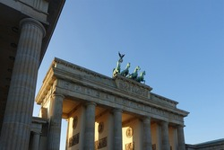 Brandenburg Gate in the Mitte quarter of Berlin, Germany. The Brandenburger Tor is an 18th-century neoclassical monument in the German Capital and one of the best known landmarks of Germany