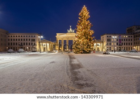 Brandenburg gate in winter